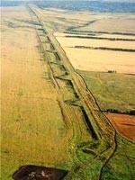 Великая Заволжская Стена, протянувшаяся на 2500 км и защищавшая русов от набегов диких европейских племён