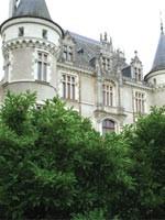 Замок Левашовых во Франции, в котором уже несколько лет проводится эксперимент с Источником Жизни. Иллюстрация из статьи Николая Левашова «Источник Жизни»