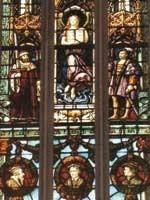 На этом витраже Магдалина изображена в виде Учителя, стоящего над королями, аристократами, философами и учёными. Иллюстрация из книги Светланы Левашовой «Откровение»