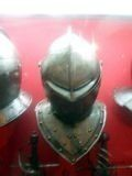 Рис.3. Очень технологичные шлемы из двух половинок...
