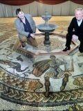 Мозаика со Славяно-Арийскими символами в Великобритании3