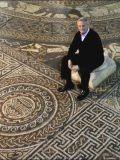 Мозаика со Славяно-Арийскими символами в Великобритании4