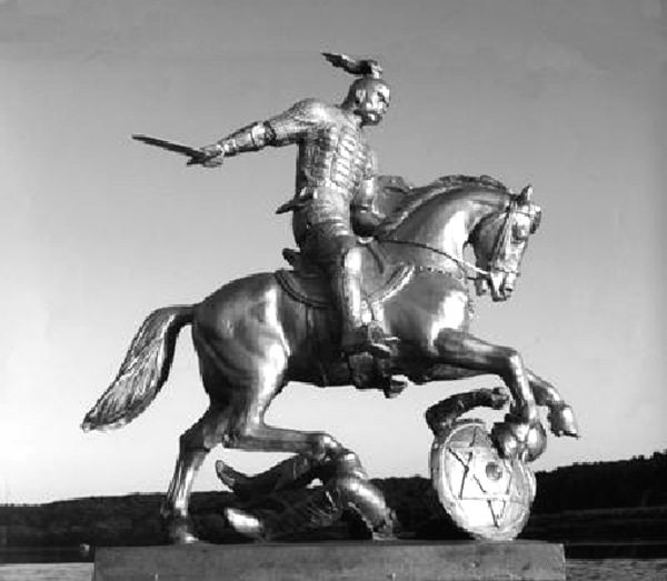 Макет памятника Князю СВЕТославу Храброму, великому Русу, разгромившему Хазарию