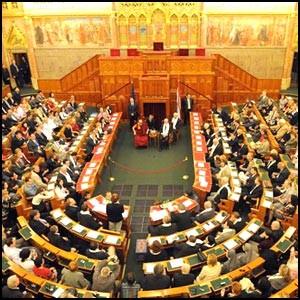 Новая конституция Венгрии – попытка обрести реальную независимость
