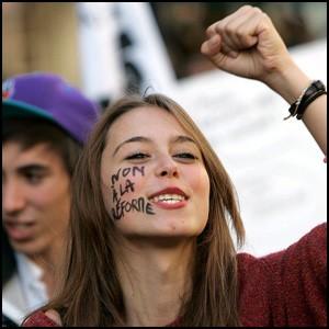 Молодёжь отупляют безработицей