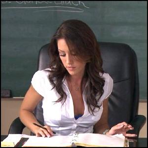 В Британских школах навязывают порно?