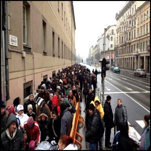 В Венгрии 40% населения уже бедняки!