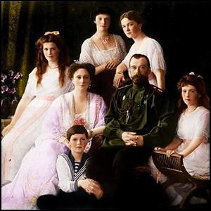 Последнего российского царя не расстреляли, а оставили в заложниках