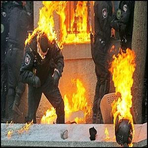 За беспорядками в Киеве стоит сионистская верхушка Германии и НАТО