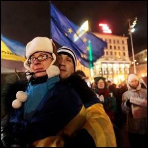 Украинская интеллигенция выполняет роль подстрекателей и провокаторов в Киеве