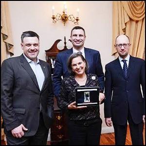 Сионистская мафия провела на Украине переворот для подготовки нападения на Россию