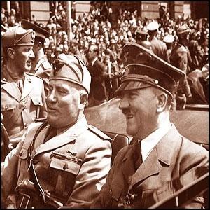 В начале войны было большое предательство офицеров и генералов Красной Армии