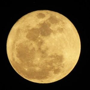 Лунные аномалии и фальшивая физика
