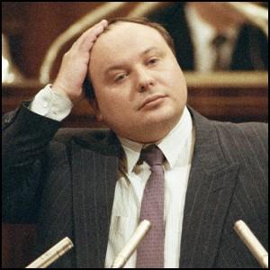 Ельцин с Гайдаром ввели самый грабительский налог – НДС, да ещё и голод создали для уничтожния России