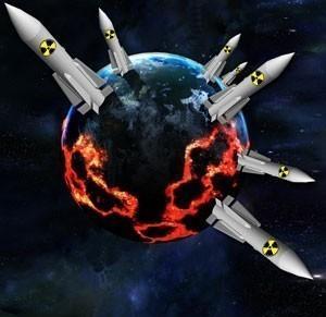В России и США военные пугают власть ядерным превосходством противника