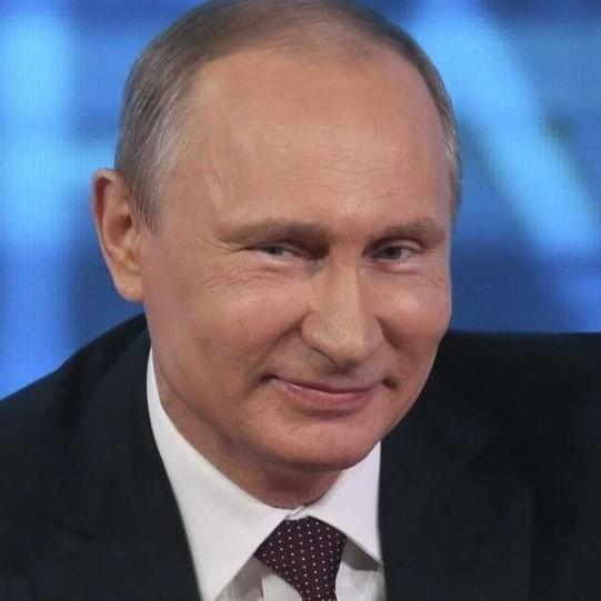 Владимир Путин ударил военным рельсом