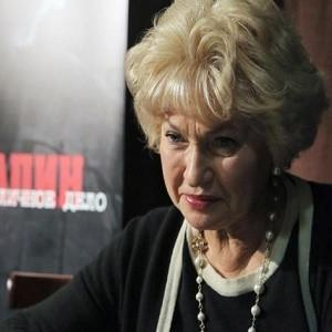 Людмила Нарусова – мать Собчак лезет в политику и предлагает приравнять нацизм и сталинизм