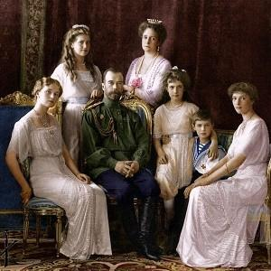 Кто стоит за похоронами Царской семьи Николая II