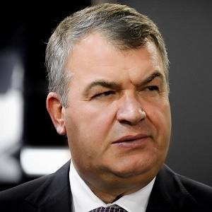 Анатолий Сердюков возглавил нашу авиацию
