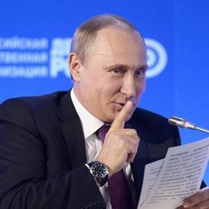 Как Вашингтон помогает России выстоять