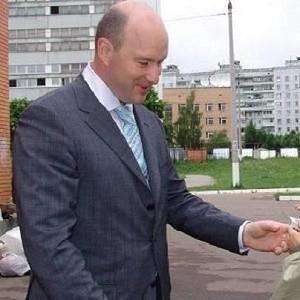 Сотрудники спецслужбы ФСБ и миллиарды бизнесмена Сергей Вялков