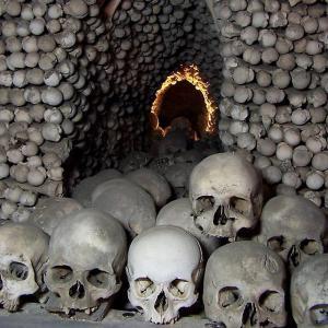 Христианские оссуарии (костницы) – это храмы сатанизма и поклонения мёртвым