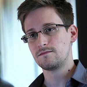 Мемуары сотрудника АНБ Сноудена
