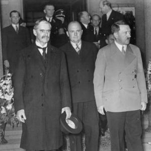 Гитлер, союзная ему Польша и их Чемберлен начали Вторую Мировую войну
