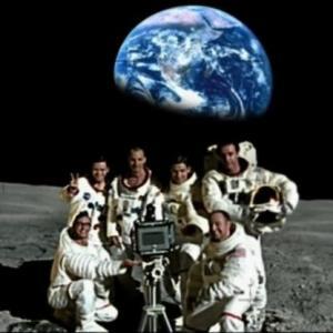 Полёт американцев на Луну – грандиозная мистификация. Полное разоблачение лунной аферы США