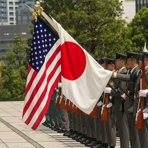 Япония сбрасывает военное ярмо США