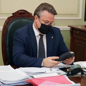 Российские чиновники массово провалили тест на коронавирус