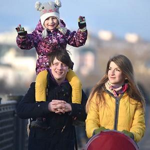 Какие силы стоят за разрушением российской семьи
