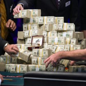 Взятки, вымогательства и государственная измена – будни московских налоговиков