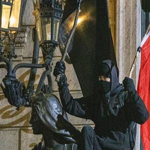 Нобелевскую премию дадут организаторам майдана и погромов Тихановской