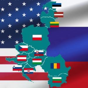Восточная Европа перед выбором между США и Россией
