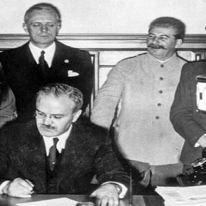 Почему Красная армия в 1945 году пошла на Берлин?