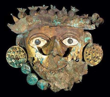 4. Могила древнего «Короля драгоценностей» в ПеруВ гробнице нашли огромное количество ценностей в разных старинных стилях. Возраст могилы около 1,5 тысячи лет. Исследователи надеются, что ее изучение поможет раскрыть тайны индейской цивилизации Мохэ.