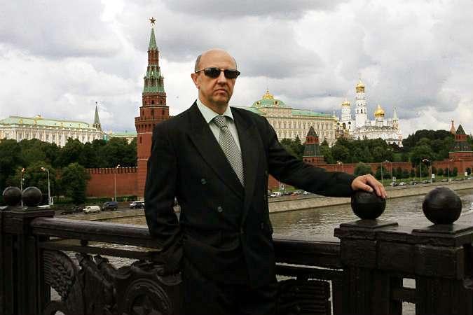 Половина россиян верит, что нами управляют масоны и рептилоиды