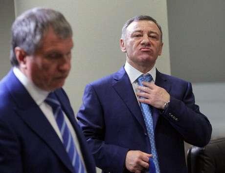 Кремлёвские игры патриотов: Сечин против Якунина