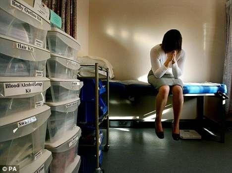 В Англии пдофилы безнаказанно десятки лет насилуют тысячи белых девочек