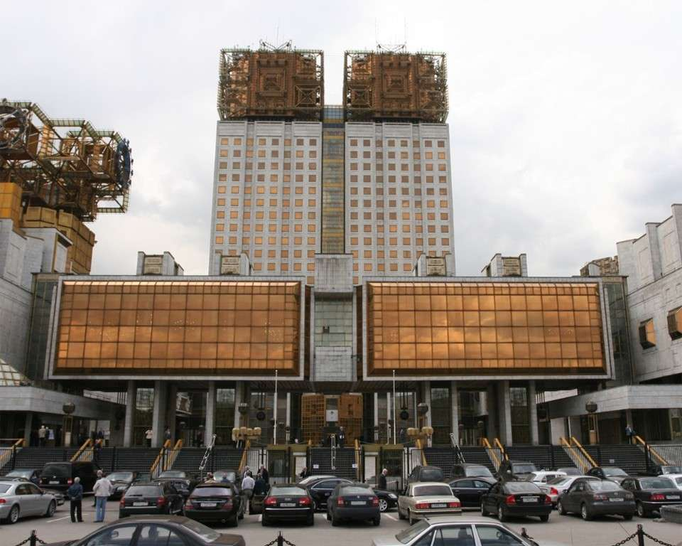 Русская наука и образование уничтожается паразитами без всякой жалости