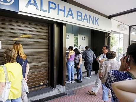 США приказали ЕС: Грецию из еврозоны не выгонять