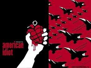 В США проводится маниакальная милитаризация всего общества