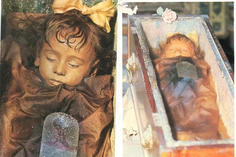мумии и скелеты в церкви капуцинов в Риме