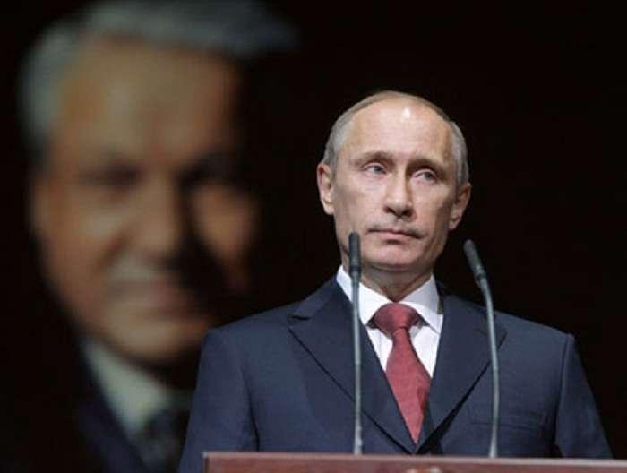 У предателя Ельцина власть вежливо отняли в 1999 году