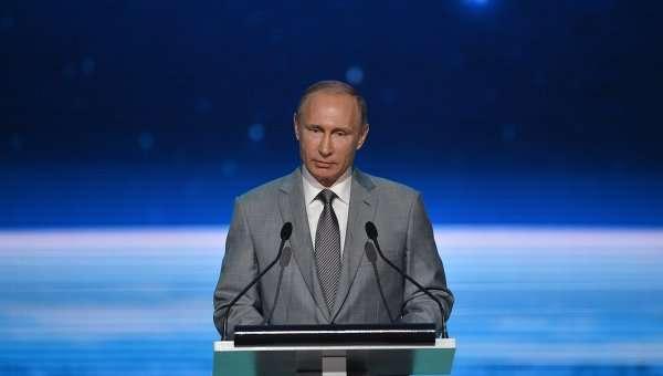 Владимир Путин строит в России крепкое, надёжное и стабильное государство