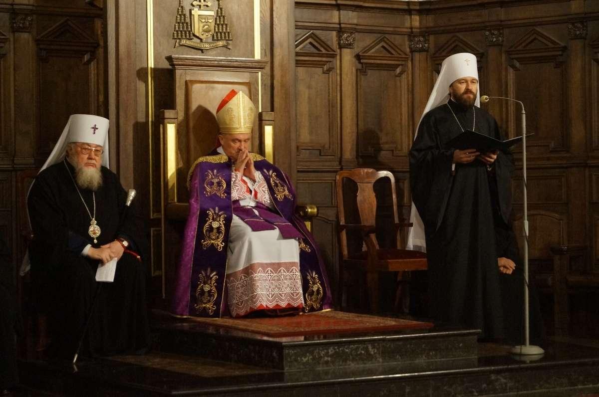 Церковная мафия наступает на горло всему Человечеству