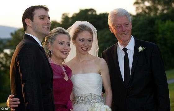 Старушка Клинтон ворует, как и все боссы там в США