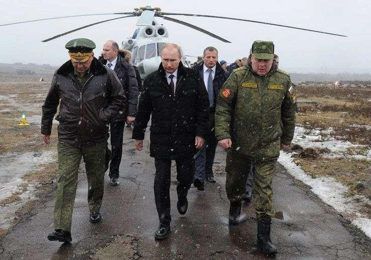 Владимир Путин в Сирии решает несколько политических задач