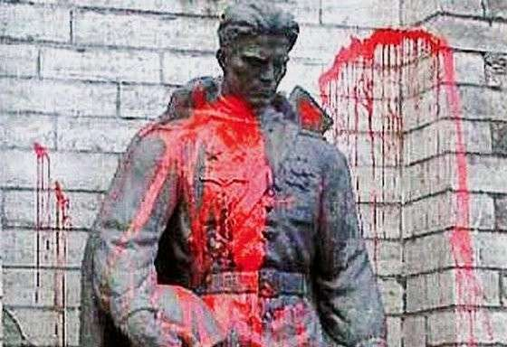 Паразитические верхушки старательно ведут прибалтийские страны к гибели